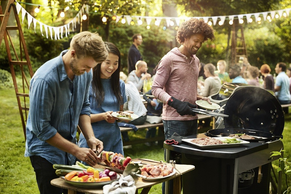 How To Make Your Barbecue Party Extra Special Table 4 Five